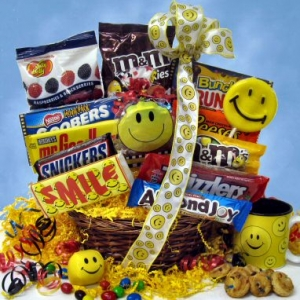 Sweet Smile Candy Gift Basket imagerjs