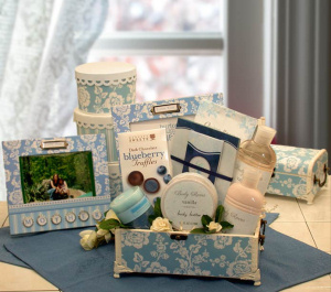 A Mother's Love Gift Chest imagerjs