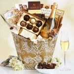 California Chandon Golden Holiday Wine and Desserts