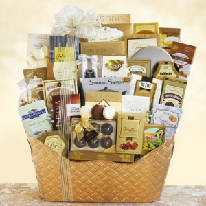 Dreaming of a White Christmas Ultimate Gourmet Basket imagerjs