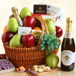 Gourmet California Delicious Picnic Gift Basket
