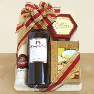 A Toast of California Snack & Cutting Board Gift imagerjs