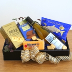 Kosher Wine & Goodie Gift Box
