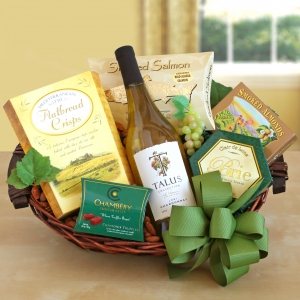 California Sunshine Holiday Wine Basket imagerjs