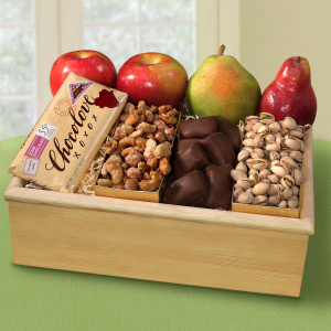 Deluxe Organic Fruit and Treat Crate imagerjs