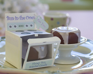 'Bun in the Oven' Scented Candle Favors (Set of 4) imagerjs