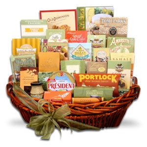 Grand Traditions Holiday Basket imagerjs