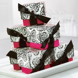Fuchsia Filigree Favor Boxes (Set of 25) image