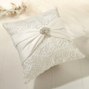 Cream Vintage Lace Ring Bearer Pillow image