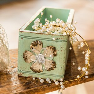 Vintage Inspired Ornate Box With Decorative Pull (2 Colors) image
