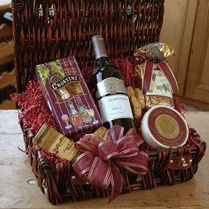 Country Gourmet Wine Basket image