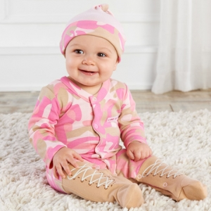 Big Dreamzzz Pink Camo Baby Layette Gift Set imagerjs