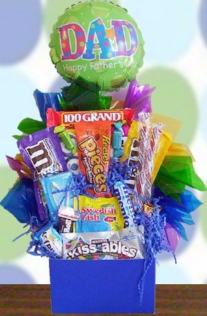Happy Father's Day Candy Basket data-pin-no-hover=