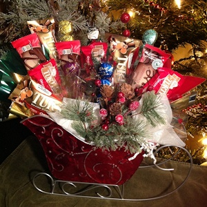 Turtle Dove Holiday Chocolate Basket imagerjs