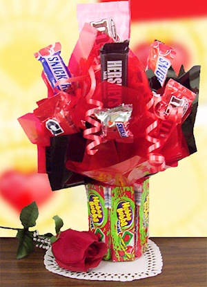 Hubba Bubba Base Candy Bouquet imagerjs