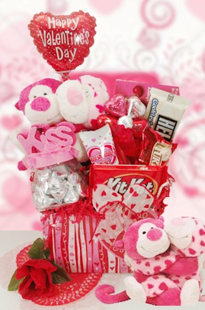 Romeo and Juliet Valentine Candy Bouquet imagerjs