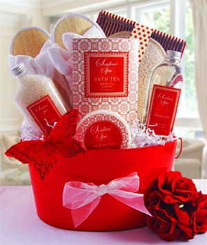Ginger and White Tea Luxury Spa Basket imagerjs
