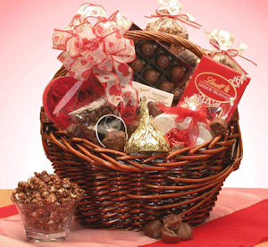 Chocolate Kiss Valentine Gift Basket imagerjs