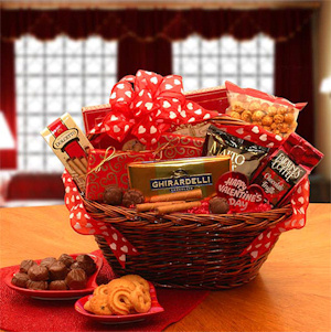 Sweet Treat Valentine Gift Basket imagerjs