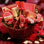 Heart To Heart Romantic Valentine Gift Basket