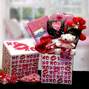 Hugs & Kisses Valentine's Care Package imagerjs