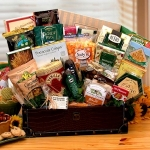 Snacking Favorites Gourmet Gift Chest