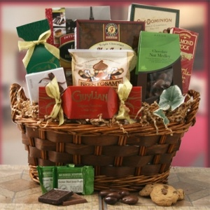 Cheerful Christmas Basket imagerjs