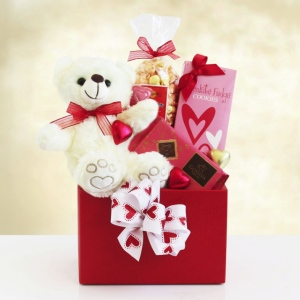 Valentine Bear Hugs Gift Box of Sweets imagerjs