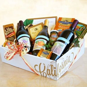The Classic Three Amigos Gourmet Wine Gift imagerjs