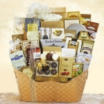 Dreaming of a White Christmas Ultimate Gourmet Basket