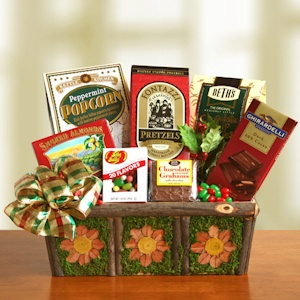 Evergreen Holiday Greetings Gift Basket imagerjs