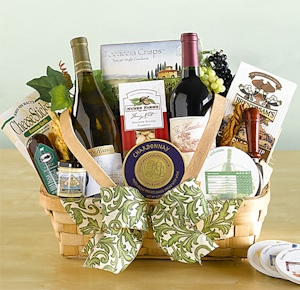 Taste of the Season Wine Gift Basket imagerjs