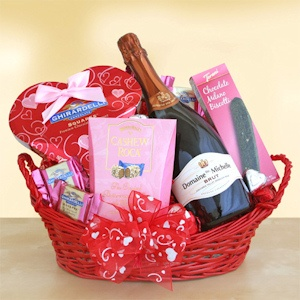 Valentine Basket of Bubbly imagerjs