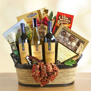 Winemaker's Choice Holiday Gift Basket imagerjs