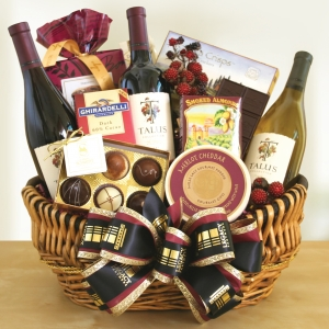 Wine Country Holiday Gift Basket imagerjs