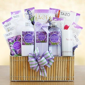 Fields of Lavender Deluxe Spa Gift Box imagerjs