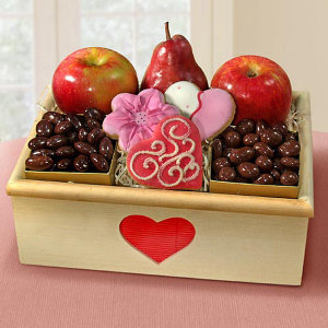 Organic Valentine Fruit Crate imagerjs