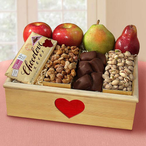 Deluxe Organic Valentine Fruit Crate imagerjs