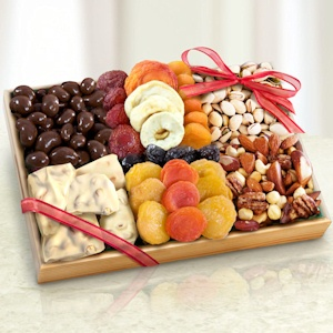 Grand Holiday Dried Fruit and Snack Tray imagerjs