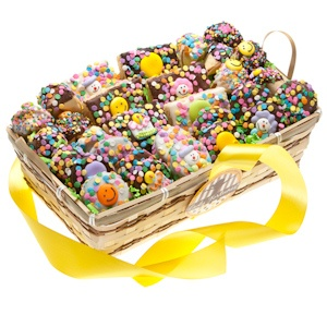 Festive Birthday Basket - 30 Pieces imagerjs