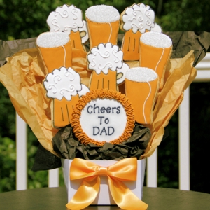 Cheers to Dad Father's Day Bouquet of Beer Cookies imagerjs