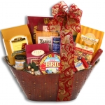 Classic Gourmet Holiday Gift Basket