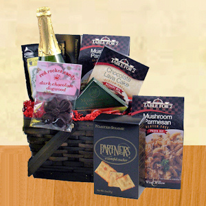 Dinner in Gift Basket with Pasta & Dessert Kits imagerjs