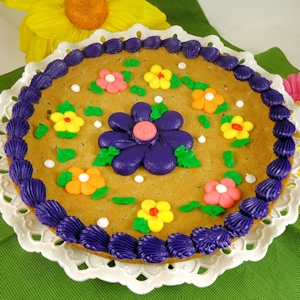 Decorated Flower Cookie Cake imagerjs