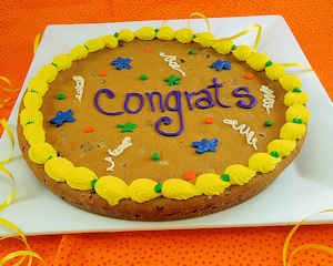 Congrats Chocolate Chip Cookie Cake imagerjs