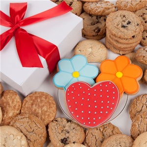 Daisies and Hearts Gourmet Cookie Gift Box image