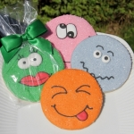 Smiley Funny Face Cookie Party Favors (4 Colors)