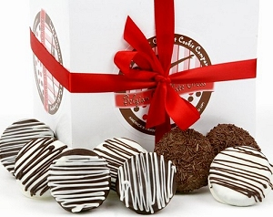 Belgian Chocolate Dipped Oreo Cookies Gift Box image