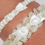 Eleanor Lace Ivory Wedding Garter Set