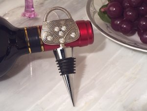 Dazzling Divas Handbag Wine Bottle Stopper image